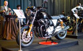 """Тази прекрасна Honda CB1100RS е една от забележителностите на изложението организирано от """"Бултрако"""". Фирмата прави 25 години"""
