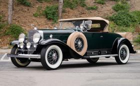 Този 1930 Cadillac V-16 Roadster от Fleetwood е 16-цилиндрово бижу за 550 000 долара
