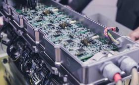 Дигитална система за управление на клапаните, която изкарва дизелова икономичност от бензиновия мотор. Революция?