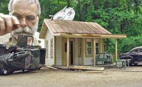 """""""Елджин Парк"""": изумителната и разтърсваща история на един човек, правещ макети. Галерия и видео"""