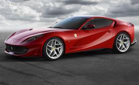 Ferrari 812 Superfast е най-мощната кола с преден мотор. Генерира 800 к.с. и вдига сто за 2,9. Галерия и инфо