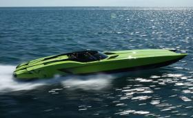 """Това е """"Labmo Aventador SV"""" моторница с 3100 коня. Вдига 290 км/ч и се продава за 2 млн. долара"""