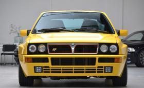 1994 Lancia Delta HF Integrale EVO II Giallo Ginestra е много яка кола. Струва повече от ново Porsche 718 Cayman