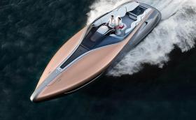 Това е най-бавният Lexus правен някога, развива 80 км/ч. Задвижва се от два 5.0 V8 мотора, мощен е 885 коня. Галерия и инфо