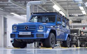 Не минаха и 40 години, а 300-хилядният Mercedes-Benz G-Class слезе от конвейера