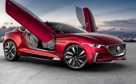 MG E-motion прилича на Aston Martin с фарове на Mazda, електрически е и вдига сто за под 4 сек