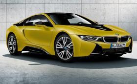 """""""Замръзнало жълто""""? Или пък в """"заскрежено черно""""? Две нови издания на извънземното BMW i8. Галерия и инфо"""