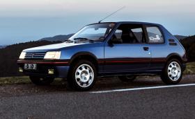 Искаме това Peugeot 205 GТi в Miami Blue. Галерия и видео