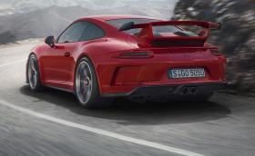 Новото Porsche 911 GT3 е най-добрата спортна кола на планетата: 500 коня, ръчни скорости. Галерия и инфо