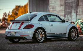 """VW Beetle R e """"Костенурка"""" вдъхновена от култовото Porsche 911 R. Моторът е 2-литров от Golf GTI"""