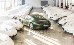 Това зелено 911 е милионното произведено. 70% още движат