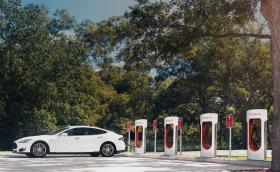 Първата суперзарядна станция на Tesla у нас ще е край Пловдив