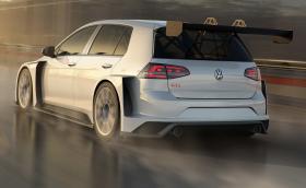 Този Golf GTI TCR с 350 коня струва почти колкото Porsche 911 GTS. Галерия и инфо