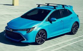 Добре дошла отново, Corolla! Toyota връща легендарното име във версията хечбек, прави го подобаващо