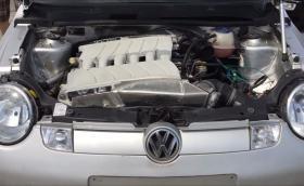 VW Lupo с два 6-литрови W12 мотора от Phaeton. Общо 24 цилиндъра и 900 коня, супер