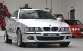 """Продава се """"чисто ново"""" BMW E39 M5. Колата е на 40 хил. километра и струва толкова в евро"""
