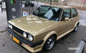 Този VW Golf GTI MkI струва 50 000 евро. Колата е на 155 хил. км