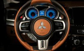 Vilner направи Mitsubishi Lancer с уреди 'Ferrari' и японски мечове във вратите. Видео