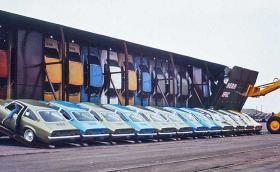"""Как Chevrolet са товарили по 30 коли във вагон? С """"главите"""" надолу. Галерия"""