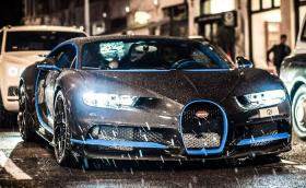 Bugatti Chiron с гол карбон за 570 хил. евро се разхожда из Лондон. Видео