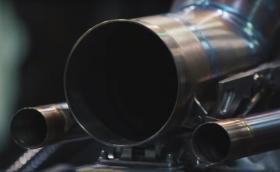 Чуйте новите двигатели на Mercedes и Ferrari в F1