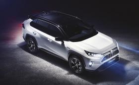 Новата Toyota RAV4 е ръбата и готина