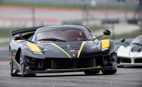 Ferrari FXX K Evo е най-бързото конче. Вижте първата му поява на писта