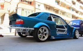 Едно българско BMW E36 Convertible с 5,7 V8 от Corvette