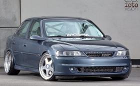 Фенове на противоречивата Opel Vectra B? Тази е доста пипната