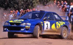 Великият Колин Макрей ремонтира своята Impreza WRC с голям камък. Видео