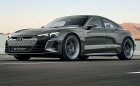 Audi e-tron GT e брутално яко електрическо купе с четири врати и 590 коня
