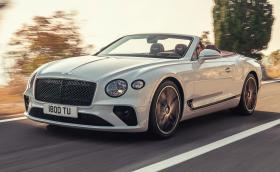Новото Bentley Conti GT Convertible е кола-мечта. По-бързо е от Audi R8 Spyder V10 plus. Видео