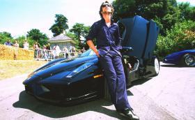 """Джей Кей, вокалистът на """"Джамирокуай"""", продаде коли за около 600 000 паунда"""