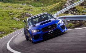 Гледайте как Марк Хигинс поставя рекорд на Трансфагараш със своето чудовищно Subaru Impreza WRX STI