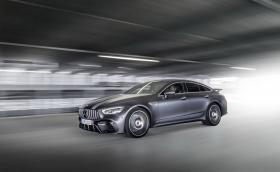 Mercedes-AMG GT Edition 1 е залепен за асфалта