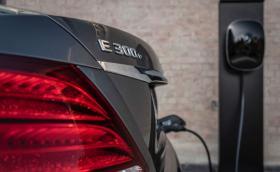 Mercedes пуска дизелов хибрид на Е-класата