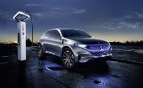 Mercedes се сбогува със звука на двигателя в забавна реклама. Видео