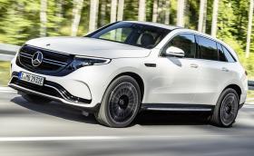 Електромобилите най-накрая имат своя Mercedes. Запознайте се с EQ C, готов да натупа Tesla