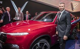 Дейвид Бекъм показа новата виетнамска марка коли. Казва се VinFast и вече има два модела