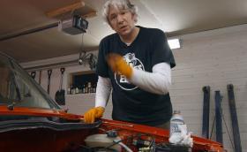 Новото предаване на Ед Чайна от 'Wheeler Dealers' се казва 'Garage Revival'. Видео