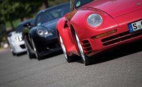 За първи път някой събра трите хиперколи на Porsche: 959, Carrera GT и 918 Spyder