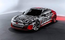 Audi e-tron GT е Porsche Taycan с четири кръга