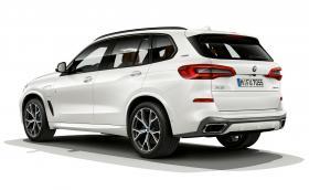 BMW автоматично ще превключва колата ви на ток в центъра на града