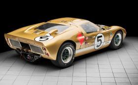 """Продават този прекрасен Ford GT40, една от трите коли, които побеждават в """"24-те часа на Льо Ман"""" през 66-та"""