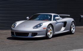 2004 Porsche Carrera GT на 283 км. Продава се за 1,5 млн. лева