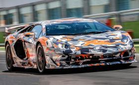 """Lamborghini Aventador SV J е новият рекордьор на """"Нюрбургринг"""": 6:44.97"""