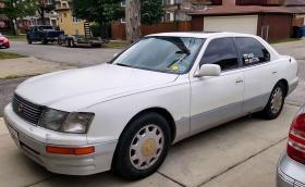 Българите Ана и Антон обикалят САЩ с 1996 Lexus LS 400 на 1,5 милиона километра