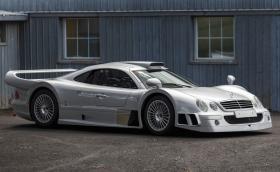 Този 1998 Mercedes-Benz CLK GTR е №9 от 25. Продава се за 4,5 милиона евро