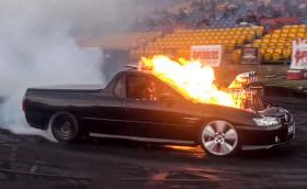 Видео урок: Как се взривява LS1 V8 в Holden Commodore?
