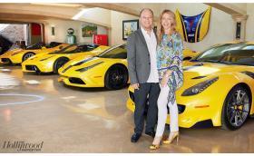 Бенджамин Слос от Google, съпругата му Кристин и тяхната колекция от суперавтомобили за 30 млн. долара